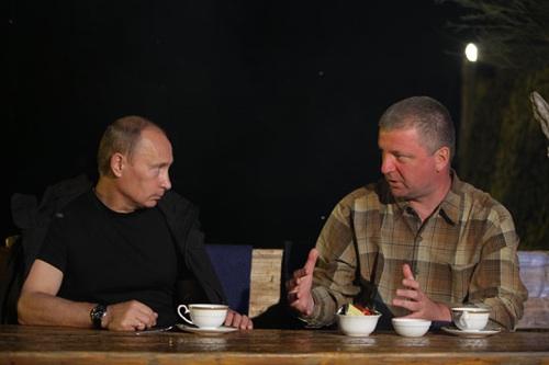 putin-teacups
